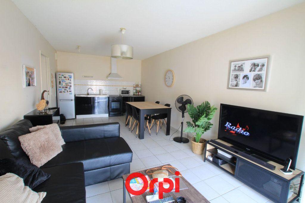Appartement à vendre 3 63m2 à Lunel vignette-3
