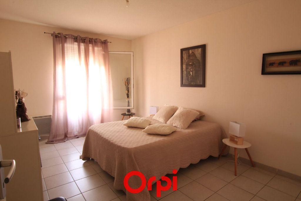 Appartement à vendre 3 63m2 à Lunel vignette-4