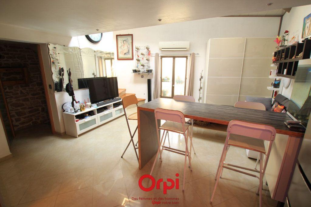 Maison à vendre 3 54m2 à Lunel vignette-3
