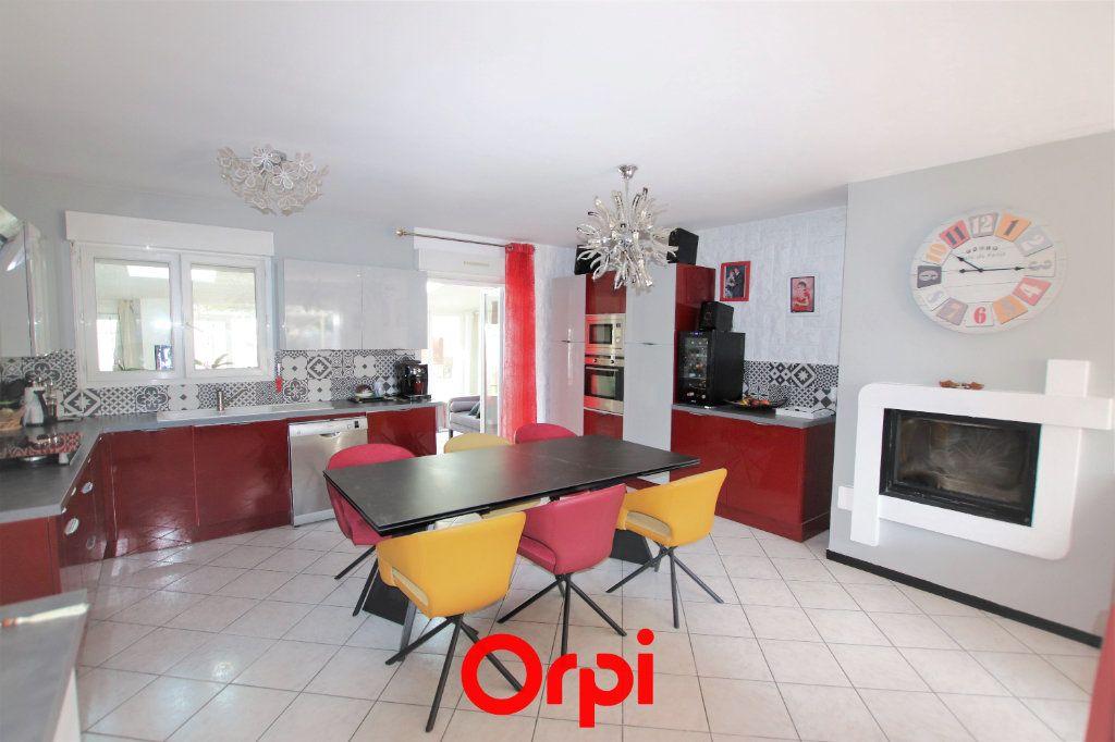 Maison à vendre 5 103m2 à Castries vignette-2