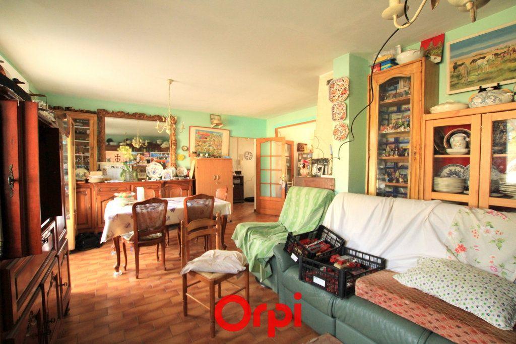 Maison à vendre 5 113.48m2 à Villetelle vignette-5