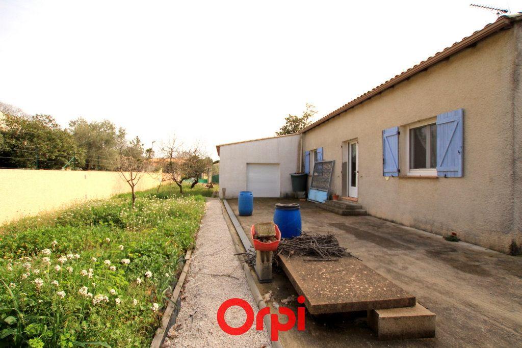 Maison à vendre 5 113.48m2 à Villetelle vignette-12