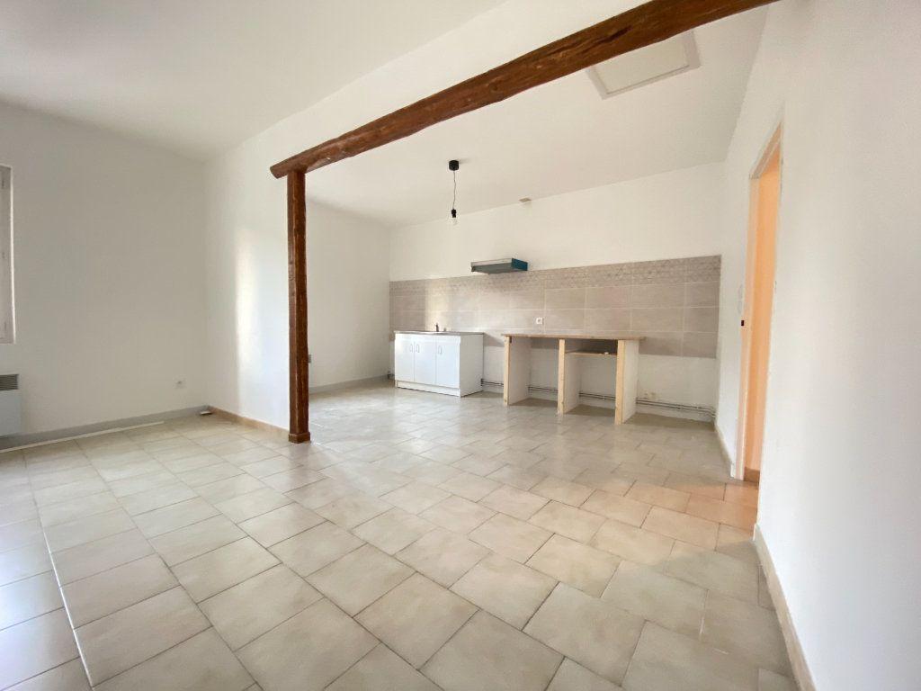 Appartement à louer 2 51.9m2 à Vauvert vignette-4