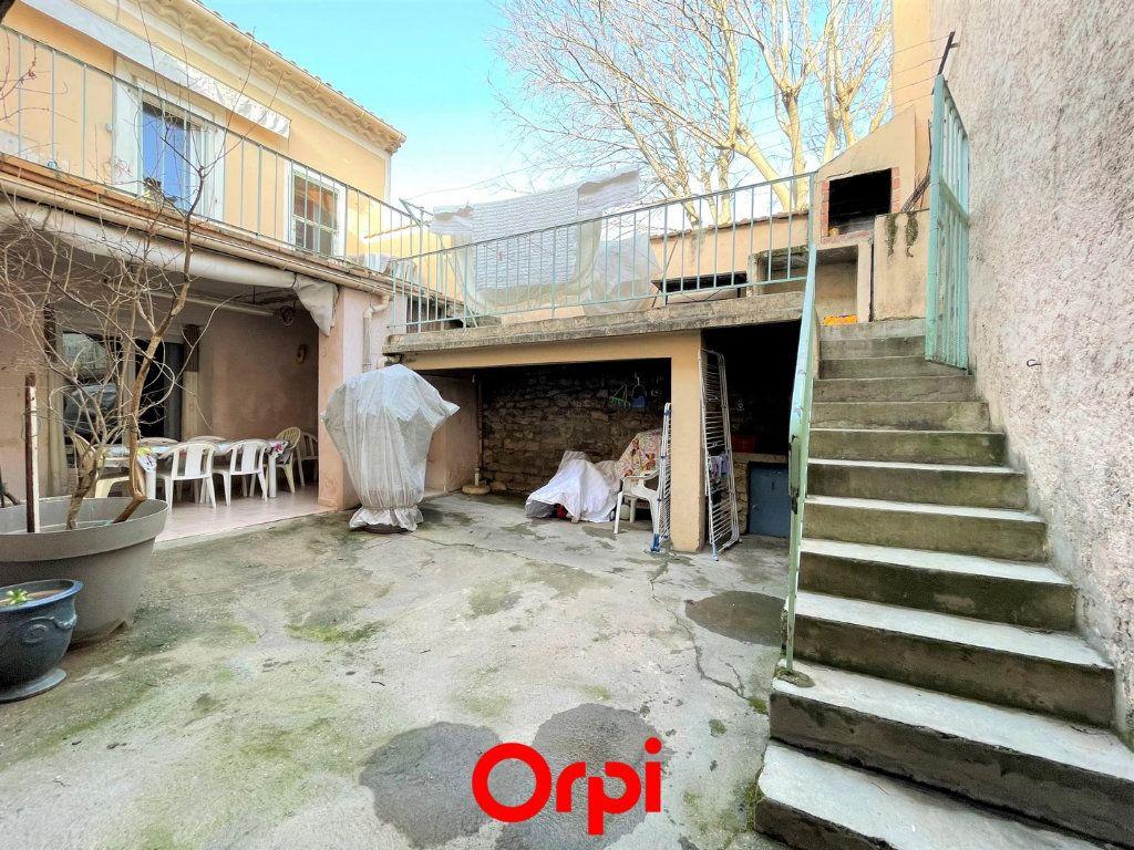 Maison à vendre 9 180m2 à Milhaud vignette-1