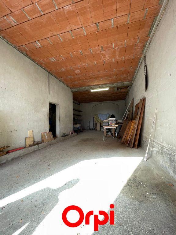 Maison à vendre 6 145m2 à Vauvert vignette-2