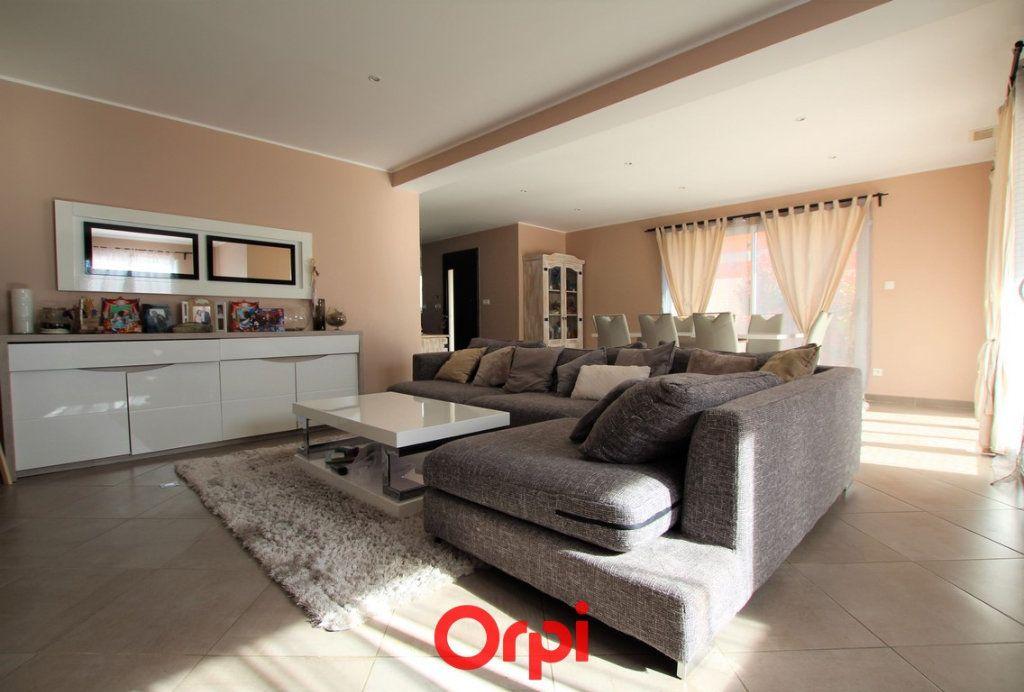 Maison à vendre 5 170m2 à Uzès vignette-1