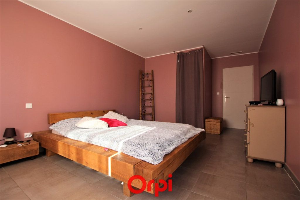 Maison à vendre 5 170m2 à Uzès vignette-5