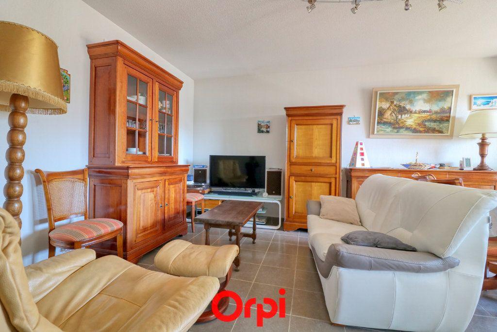 Appartement à vendre 3 62m2 à Nîmes vignette-1