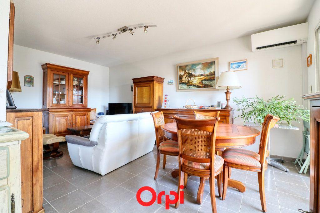 Appartement à vendre 3 62m2 à Nîmes vignette-2