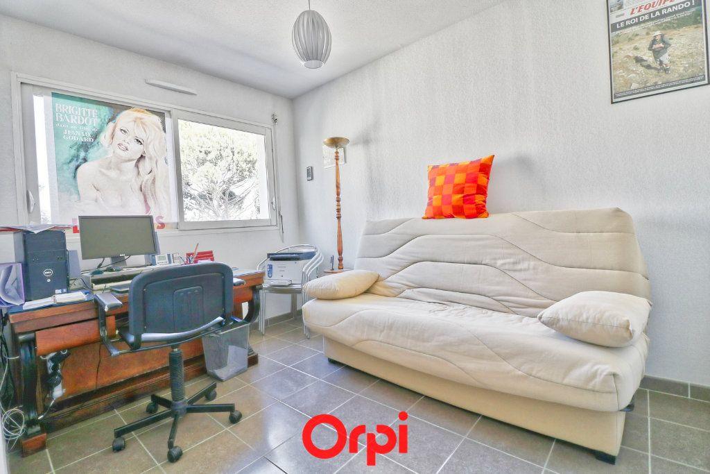 Appartement à vendre 3 62m2 à Nîmes vignette-4