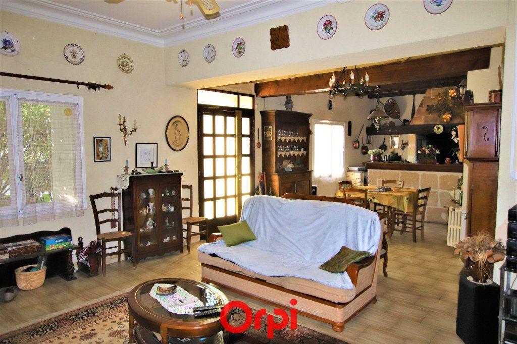Maison à vendre 6 210m2 à Fontanès vignette-3