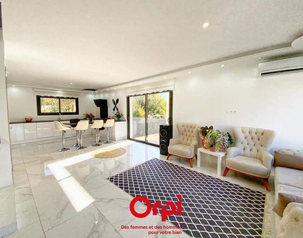 Maison à vendre 5 119m2 à La Calmette vignette-3