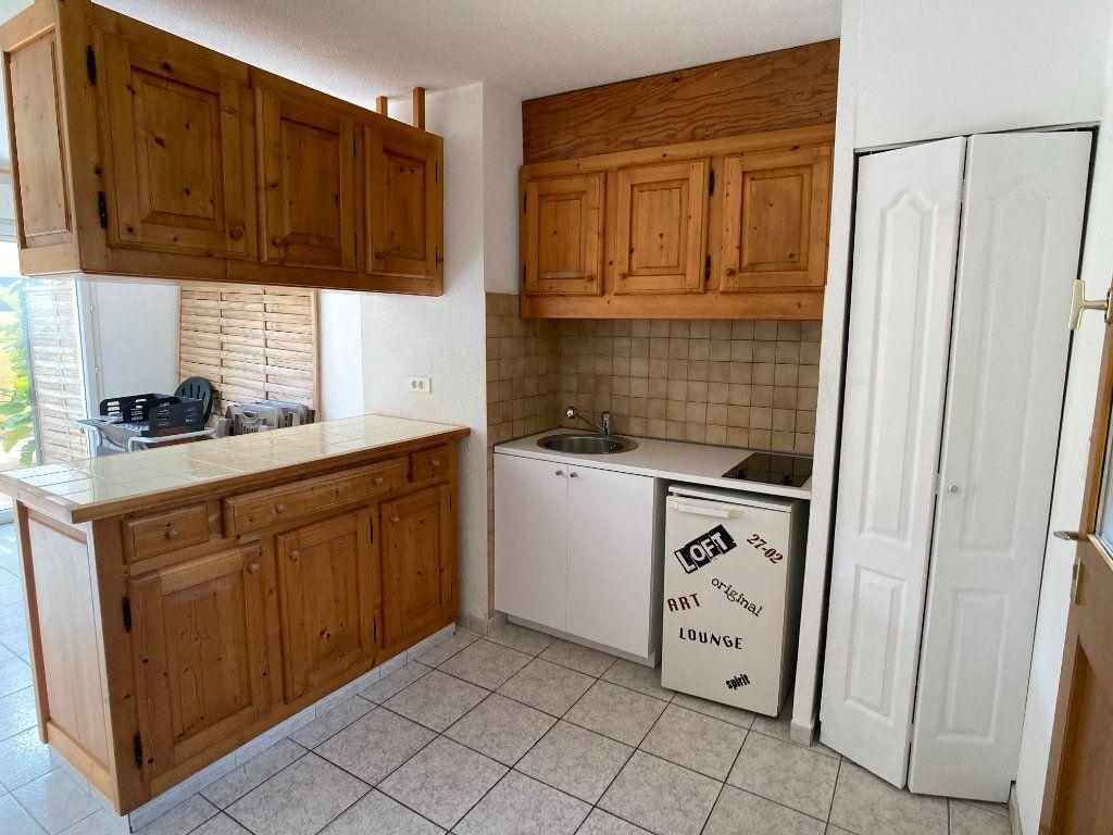 Appartement à louer 2 36.88m2 à Le Grau-du-Roi vignette-3