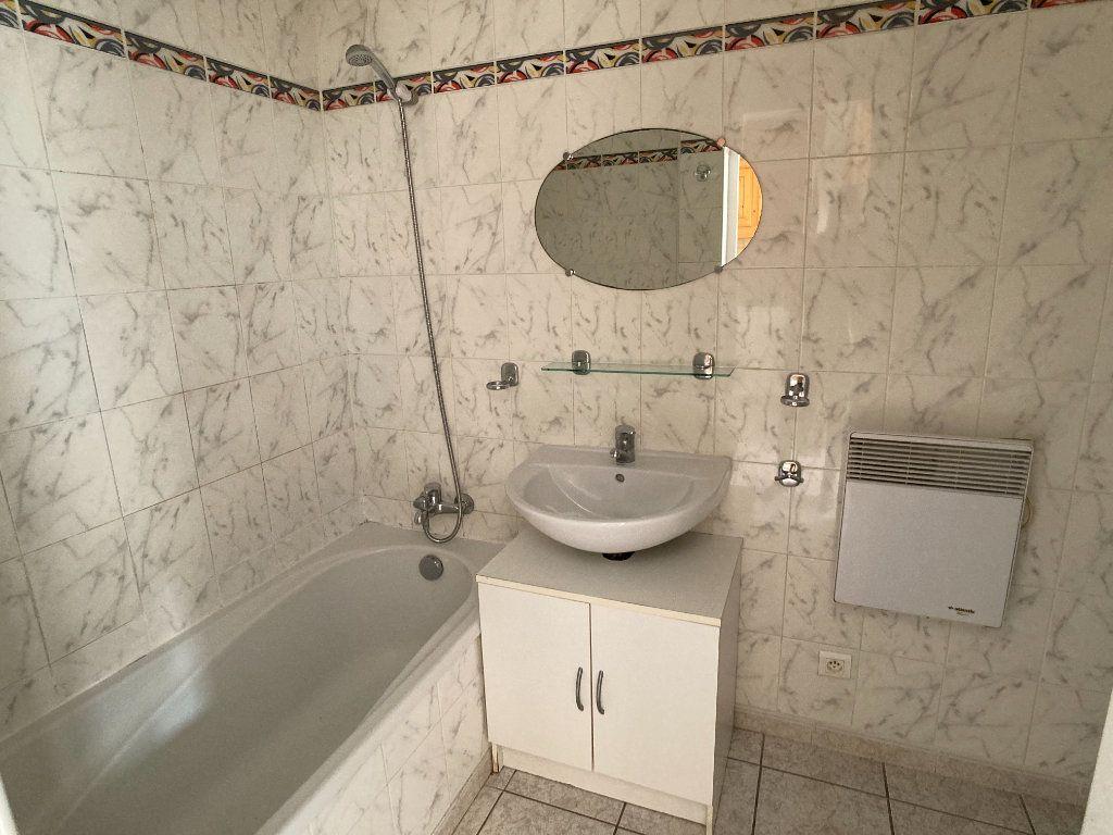 Appartement à louer 2 36.88m2 à Le Grau-du-Roi vignette-5