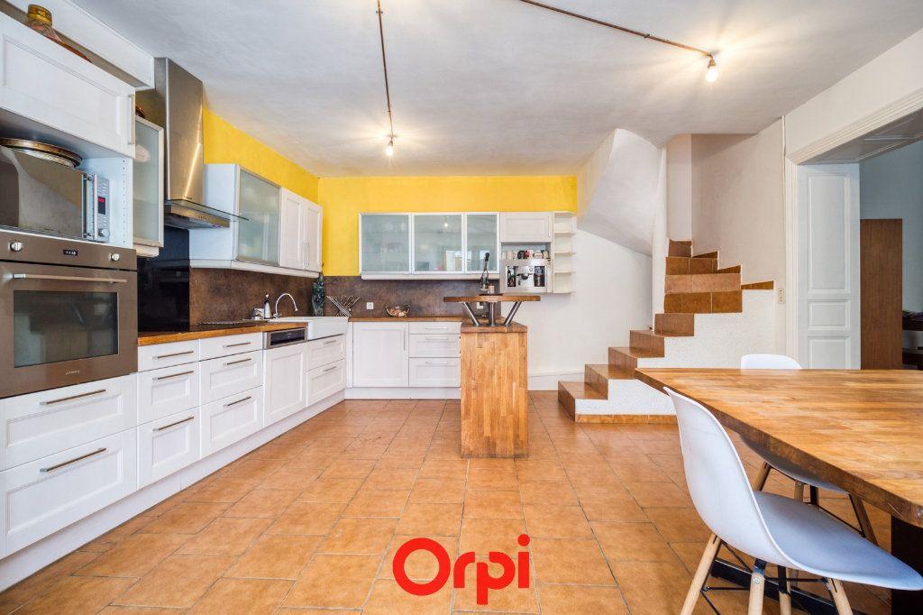 Appartement à vendre 5 165m2 à Nîmes vignette-1