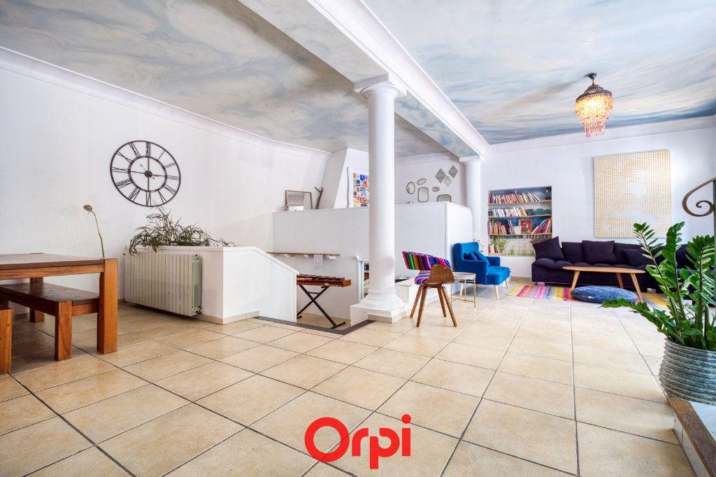 Appartement à vendre 5 165m2 à Nîmes vignette-2