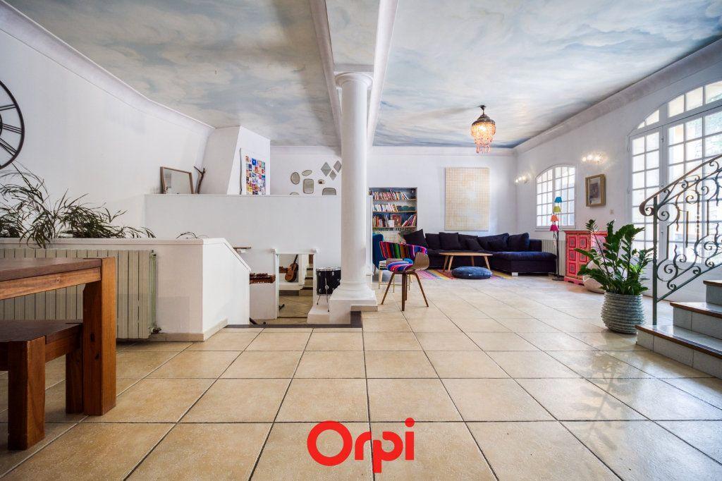 Appartement à vendre 5 165m2 à Nîmes vignette-3