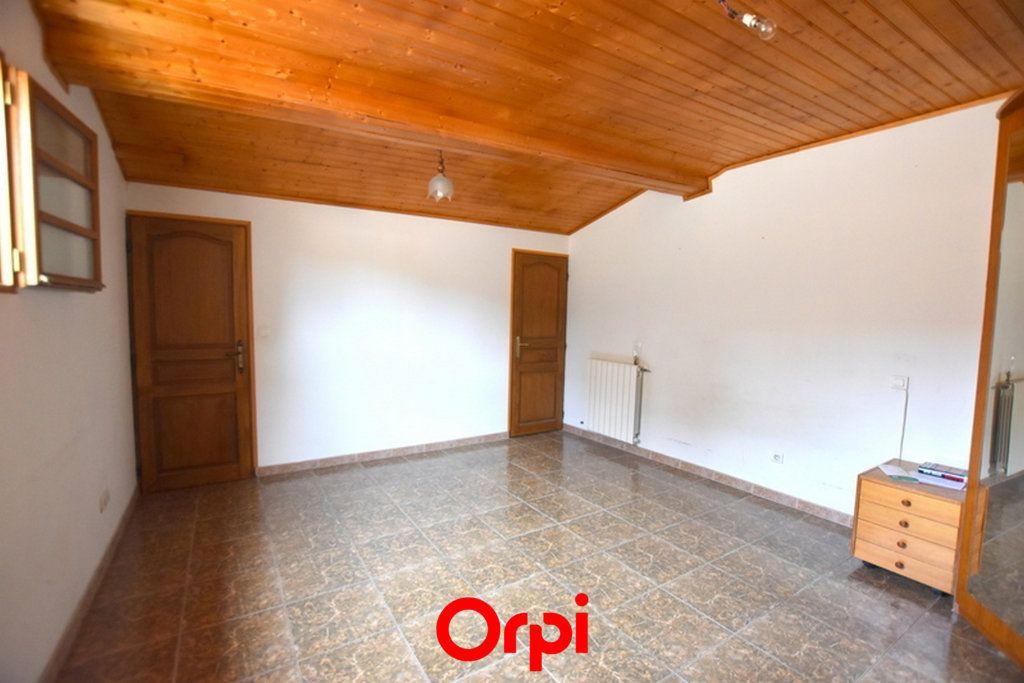 Maison à vendre 4 122m2 à Marsillargues vignette-9
