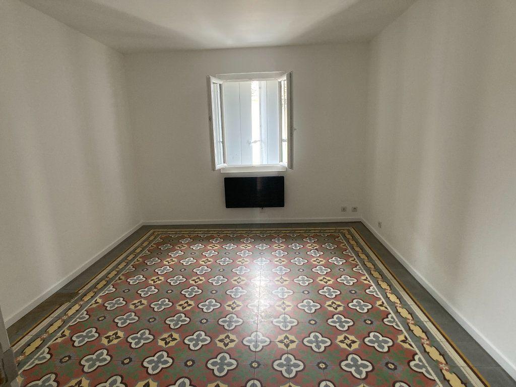 Appartement à louer 2 42.35m2 à Lunel vignette-4