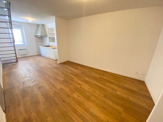 Appartement à louer 3 57.63m2 à Lunel vignette-1