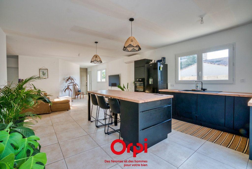 Maison à vendre 4 90.39m2 à Lunel vignette-4