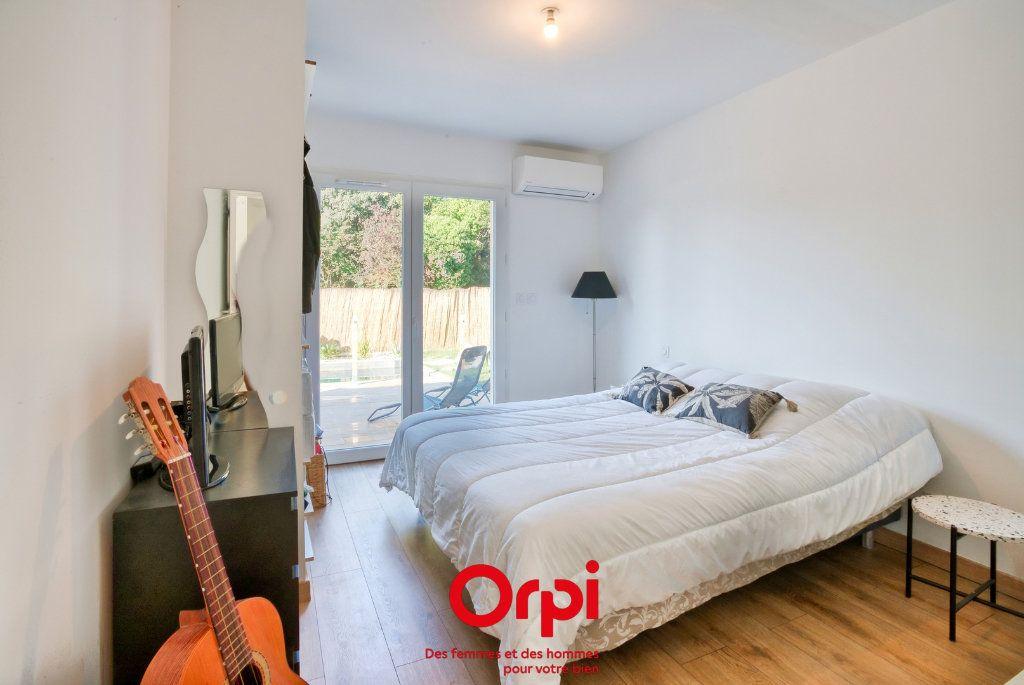 Maison à vendre 4 90.39m2 à Lunel vignette-9
