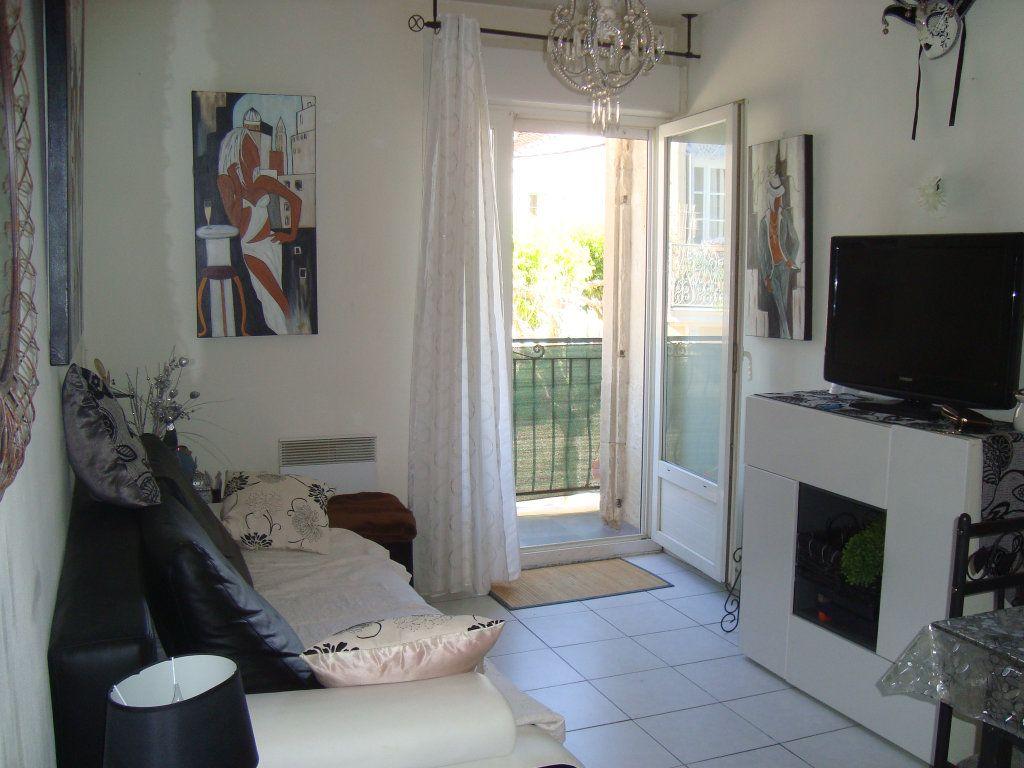 Appartement à louer 2 33.3m2 à Lunel-Viel vignette-4