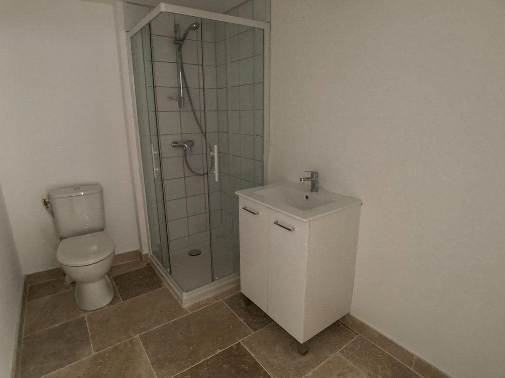 Appartement à louer 3 67.37m2 à Saussines vignette-6