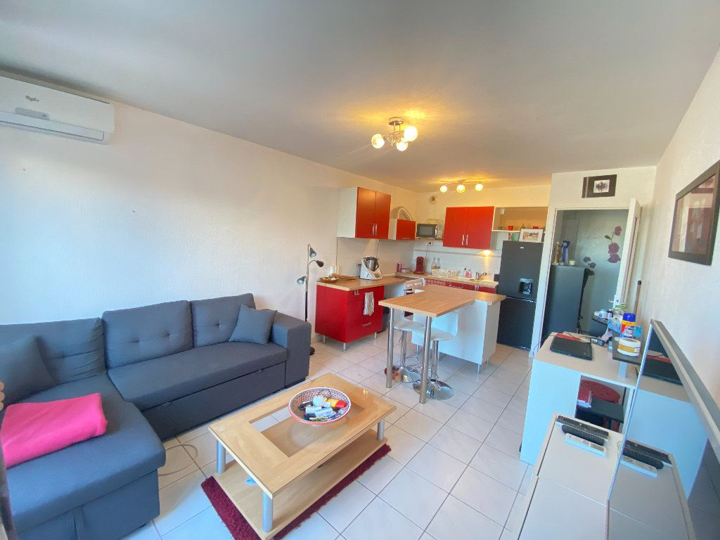 Appartement à louer 2 41.03m2 à Lunel vignette-1
