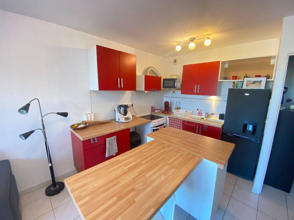 Appartement à louer 2 41.03m2 à Lunel vignette-2