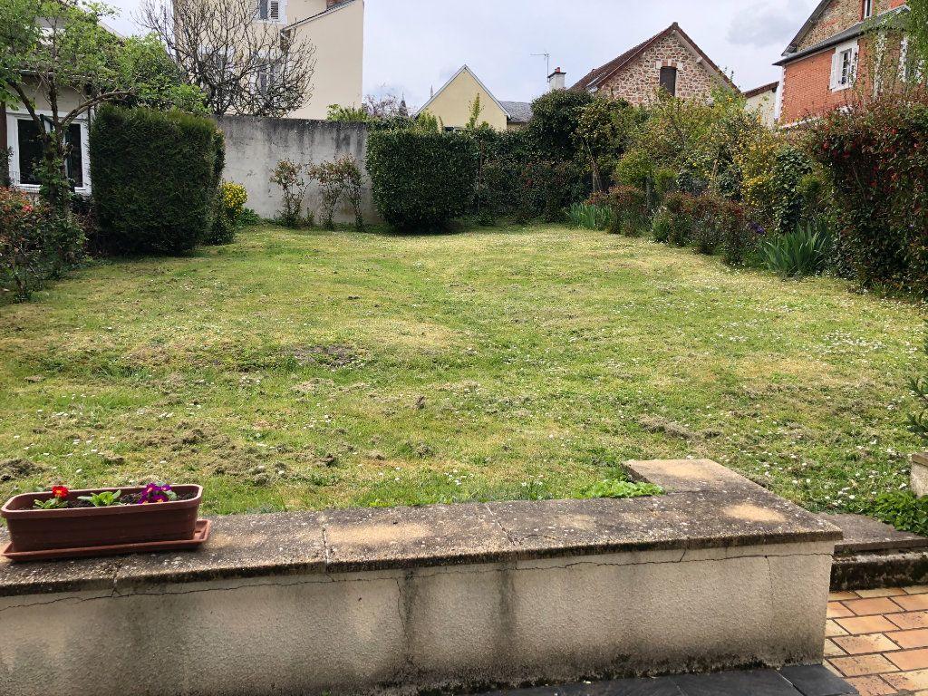 Maison à louer 6 142.36m2 à Limoges vignette-2