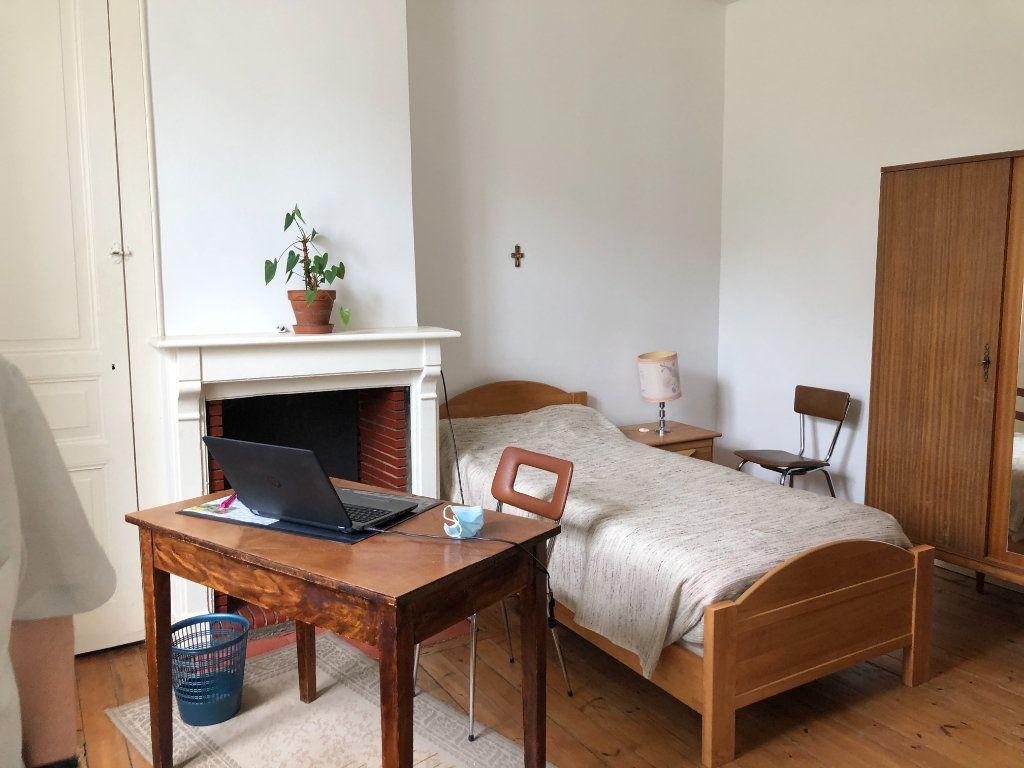 Maison à louer 6 142.36m2 à Limoges vignette-5