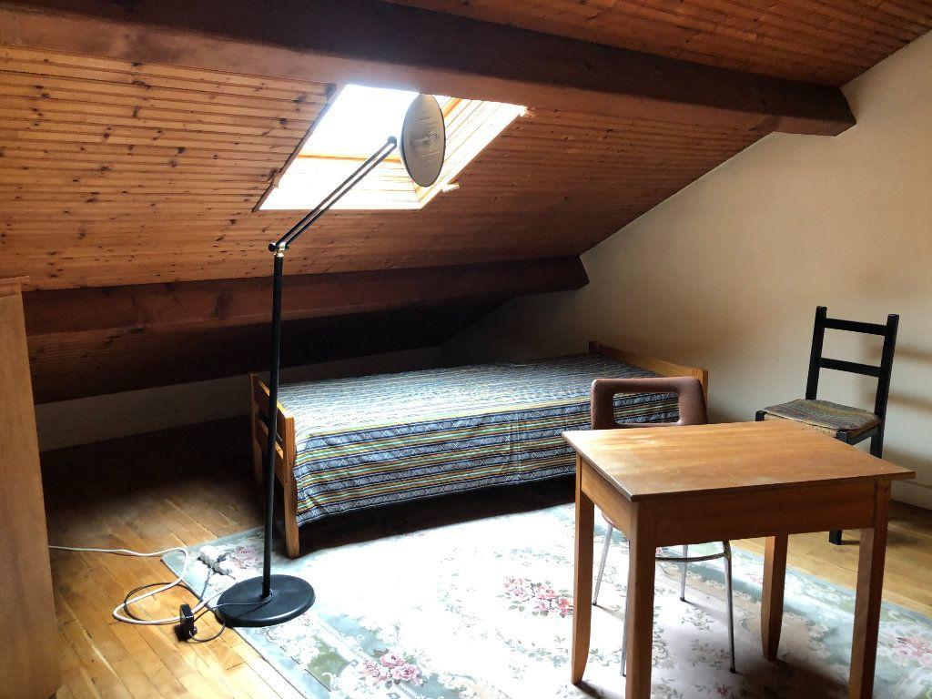 Maison à louer 6 142.36m2 à Limoges vignette-10