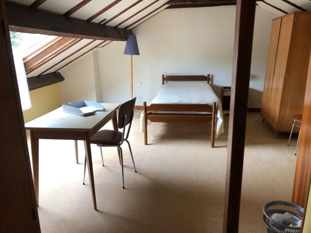 Maison à louer 6 142.36m2 à Limoges vignette-14