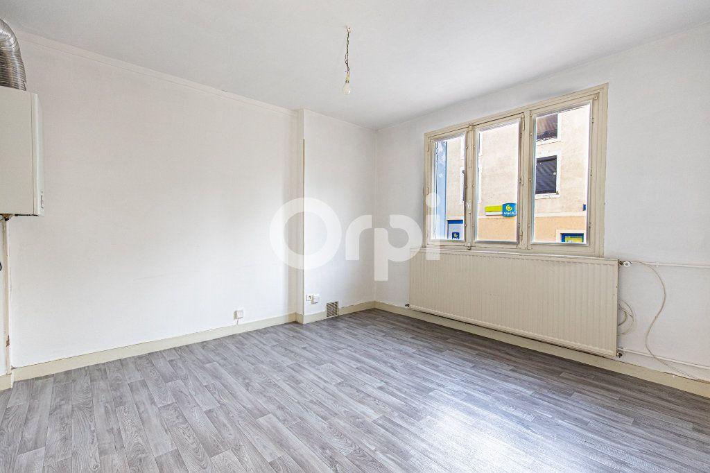 Appartement à louer 3 48.6m2 à Limoges vignette-1