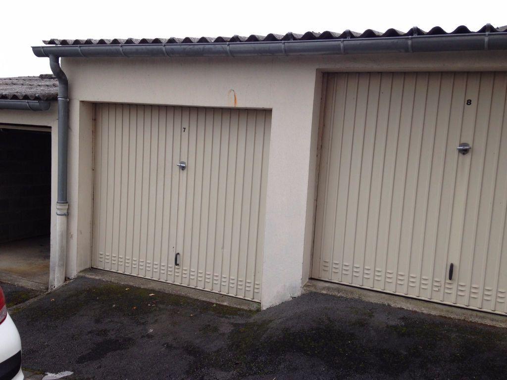 Stationnement à louer 0 12m2 à Limoges vignette-1