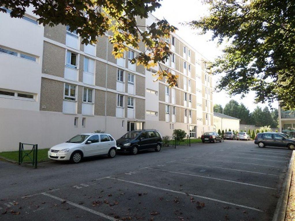 Appartement à louer 4 69.71m2 à Limoges vignette-1