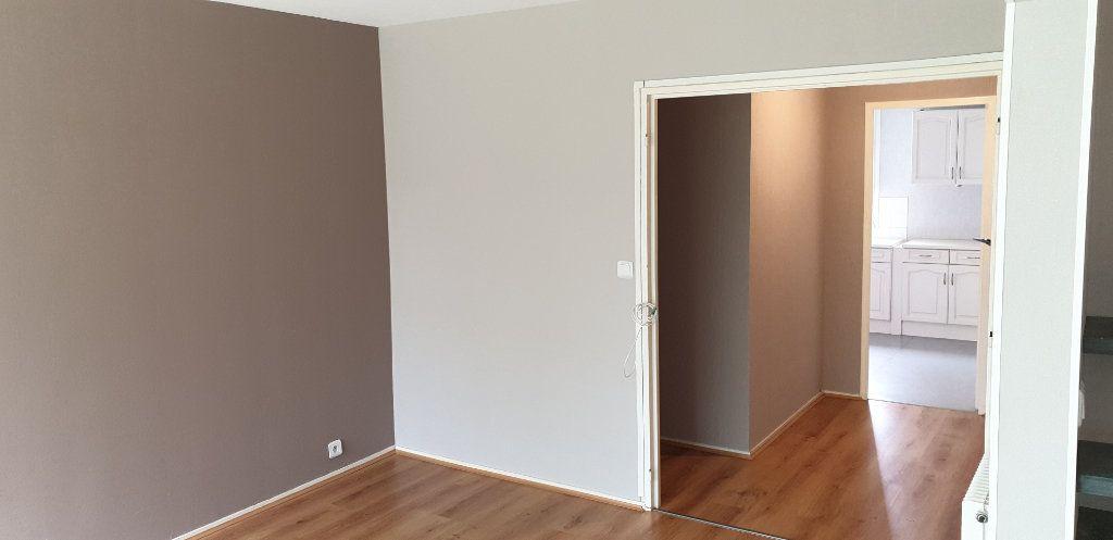 Appartement à louer 4 69.71m2 à Limoges vignette-2