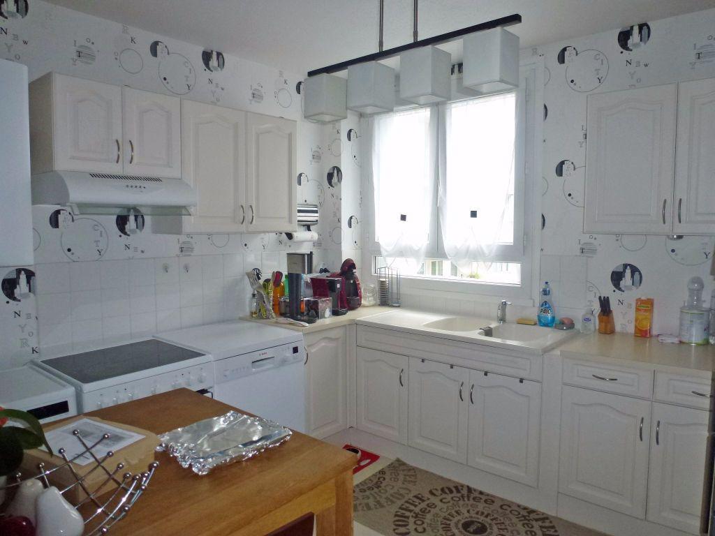 Appartement à louer 4 69.71m2 à Limoges vignette-5