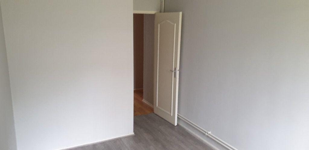 Appartement à louer 4 69.71m2 à Limoges vignette-9