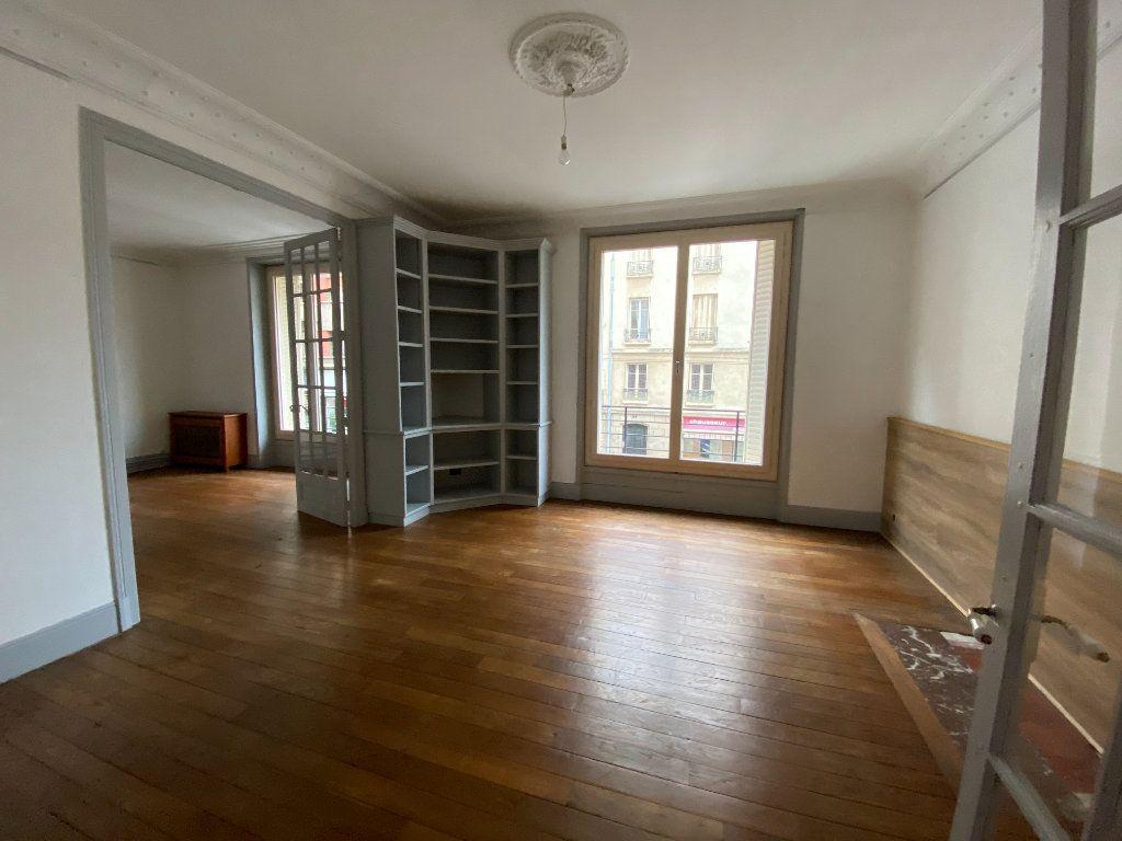 Appartement à louer 4 97.81m2 à Limoges vignette-2