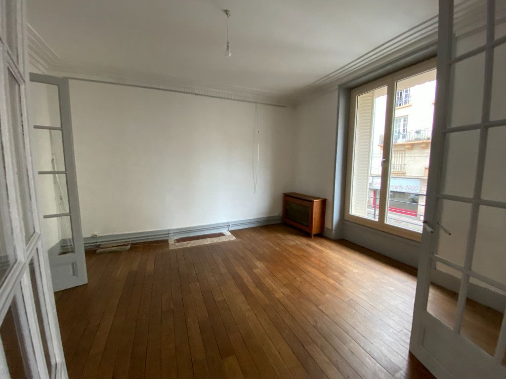 Appartement à louer 4 97.81m2 à Limoges vignette-3