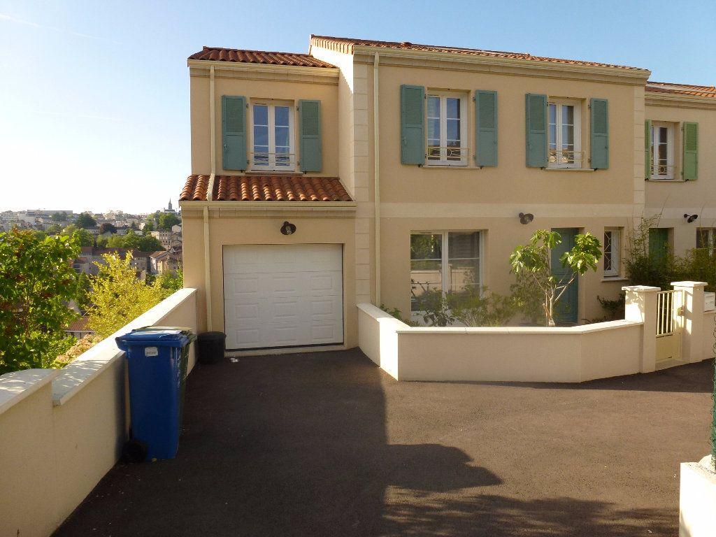 Maison à louer 6 136m2 à Limoges vignette-3