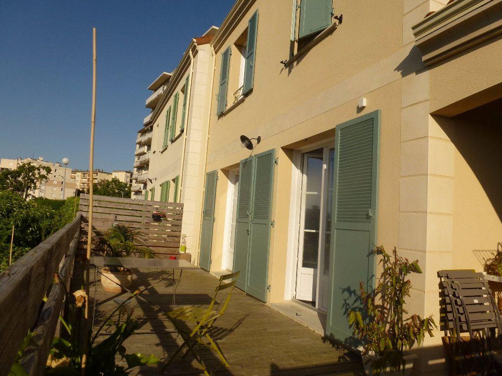 Maison à louer 6 136m2 à Limoges vignette-4