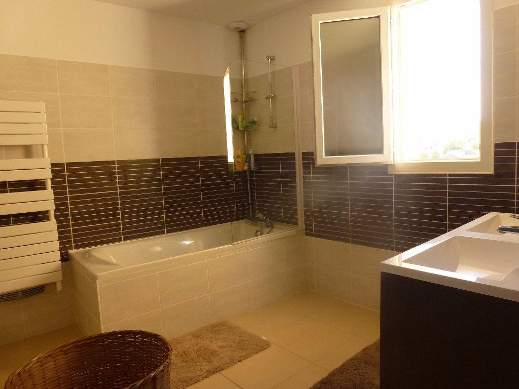Maison à louer 6 136m2 à Limoges vignette-9