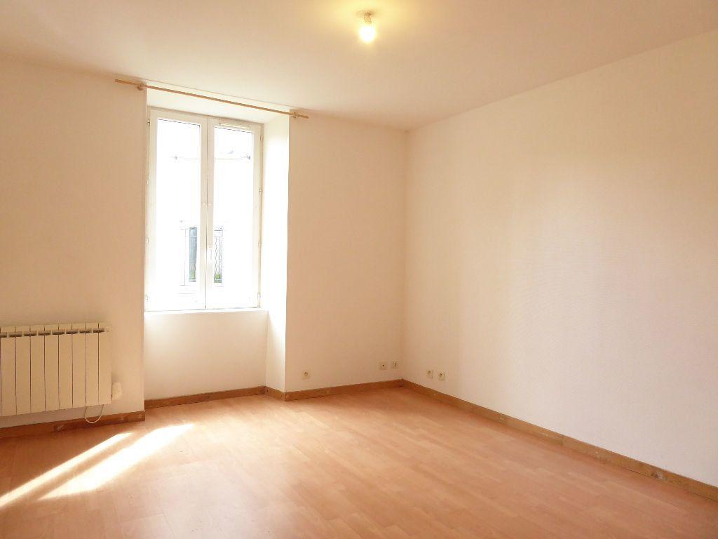Appartement à louer 2 24.55m2 à Limoges vignette-2