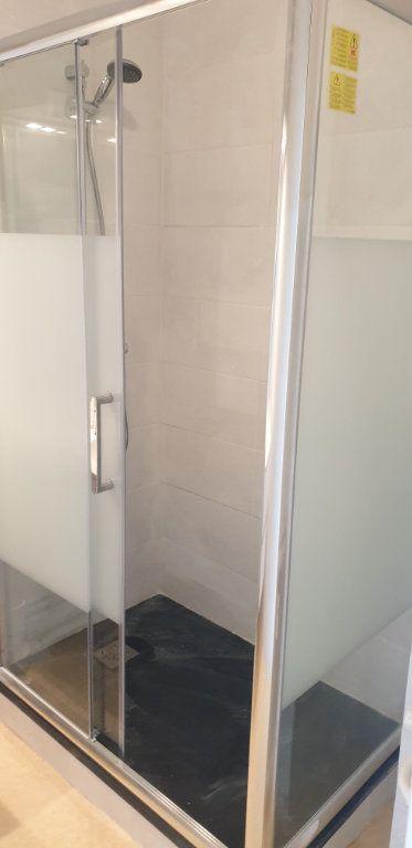 Appartement à louer 3 56.83m2 à Limoges vignette-2