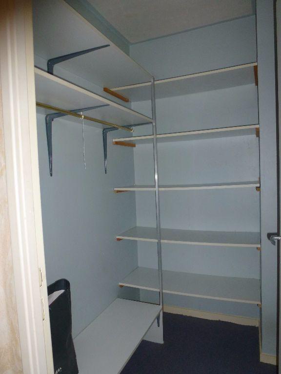 Appartement à louer 3 56.83m2 à Limoges vignette-8