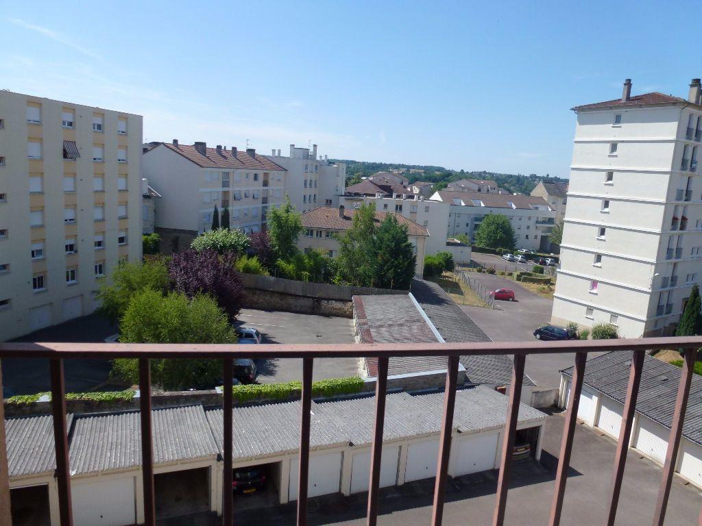Appartement à louer 3 56.83m2 à Limoges vignette-9