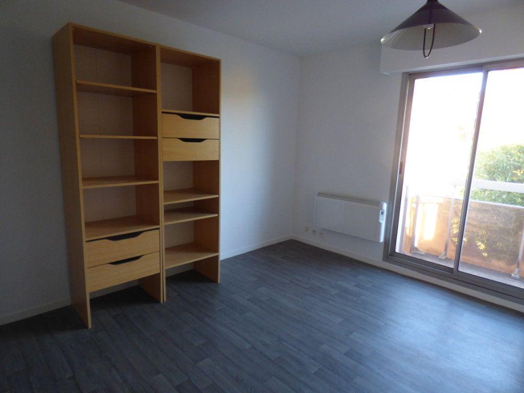 Appartement à louer 1 21.88m2 à Limoges vignette-5